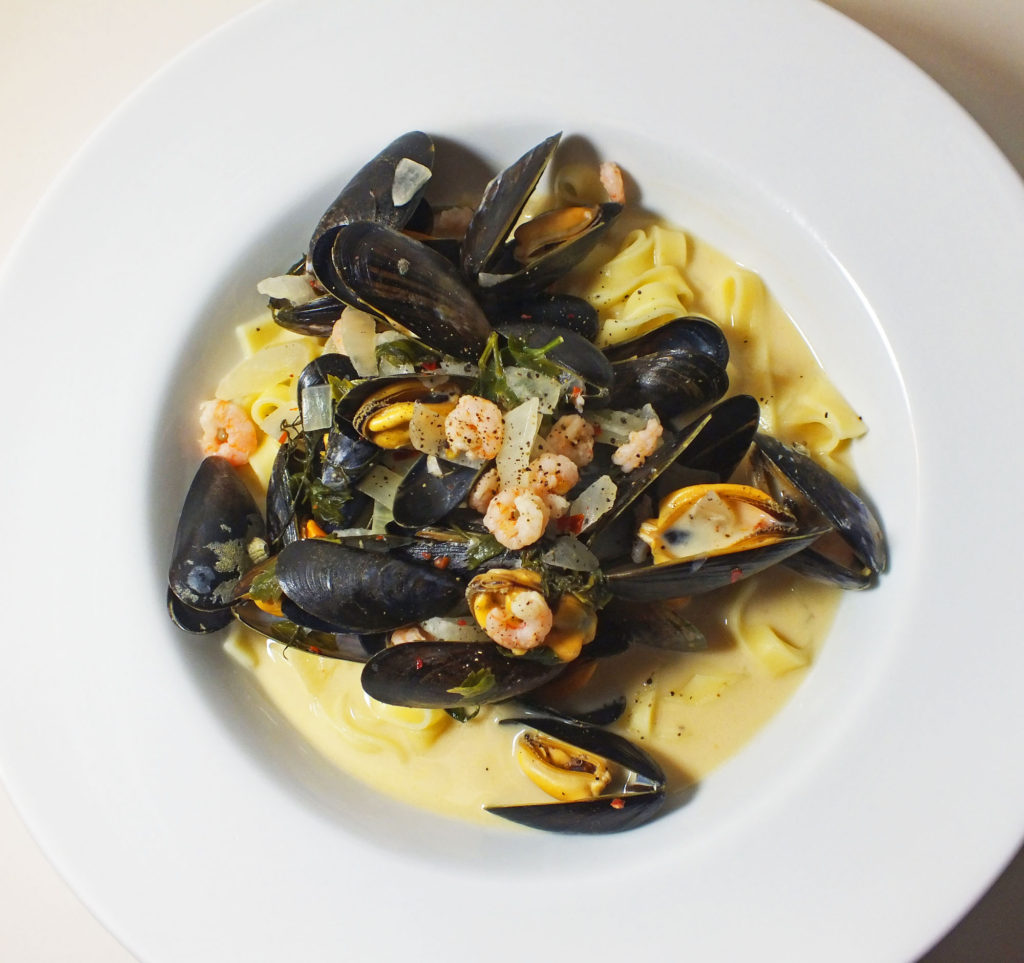 mussel_prawn_tagilatelli
