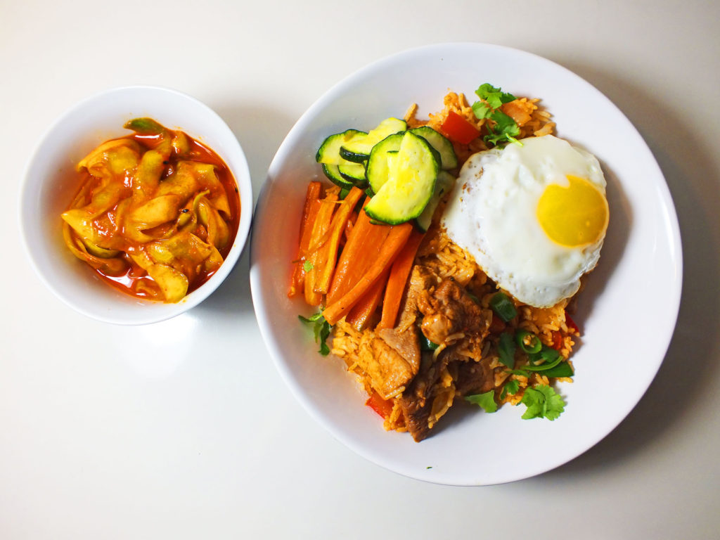 korean_fried_rice_cucumber_kimchi