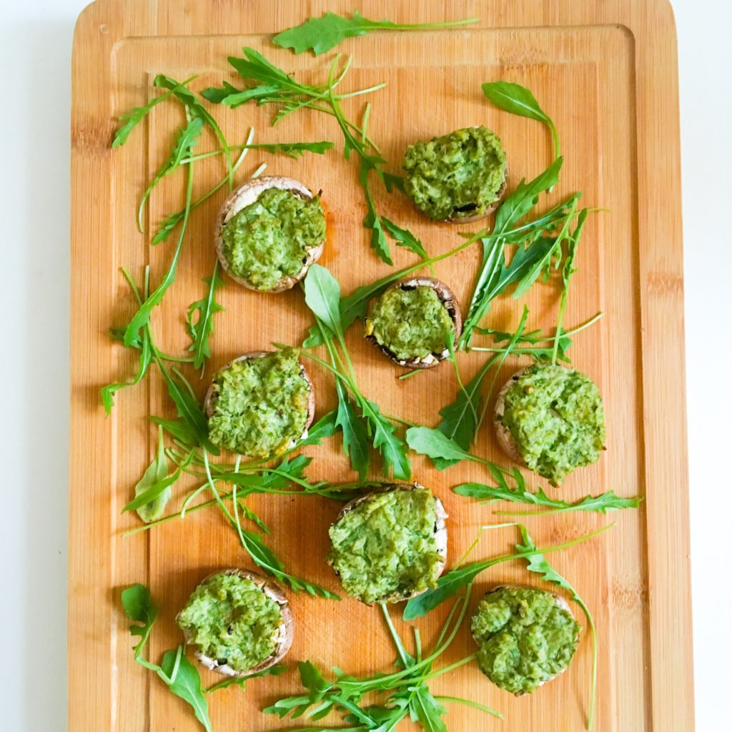 baked_mushrooms_avocado_walnut_spinach_pesto